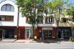 Dom w zabudowie szeregowej z dwoma lokalami użytkowymi – Centrum Świnoujscia